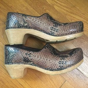 Snake print clogs